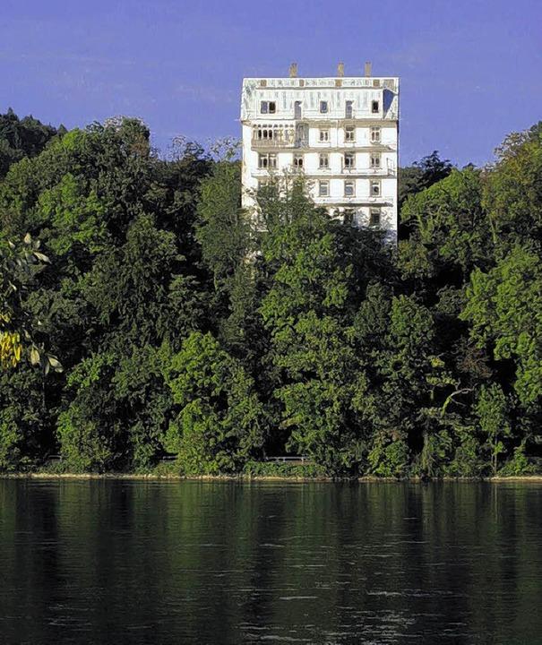 In exklusiver Wohnlage steht das Rhein...lde – als markantes Baudenkmal.   | Foto: sk-archiv