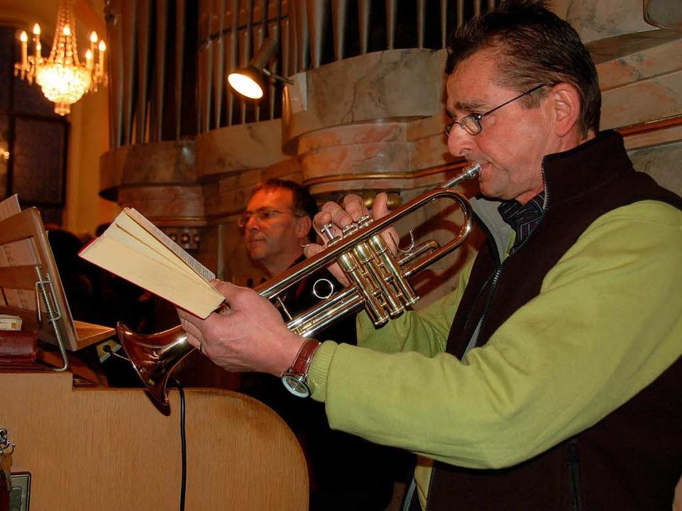 Johannes Schanz spielte die Orgel, Chr...h Sibler war an der Trompete zu hören.  | Foto: Binner-Schwarz