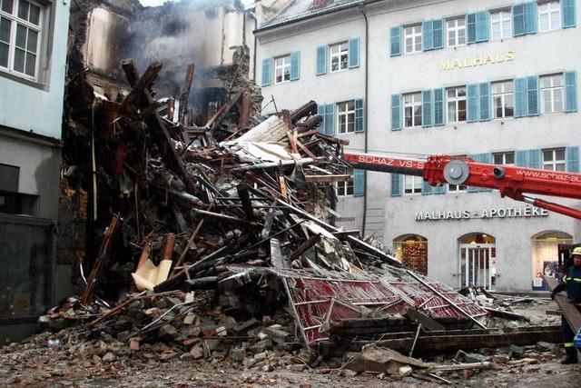 Löscharbeiten in der Konstanzer Altstadt dauern an