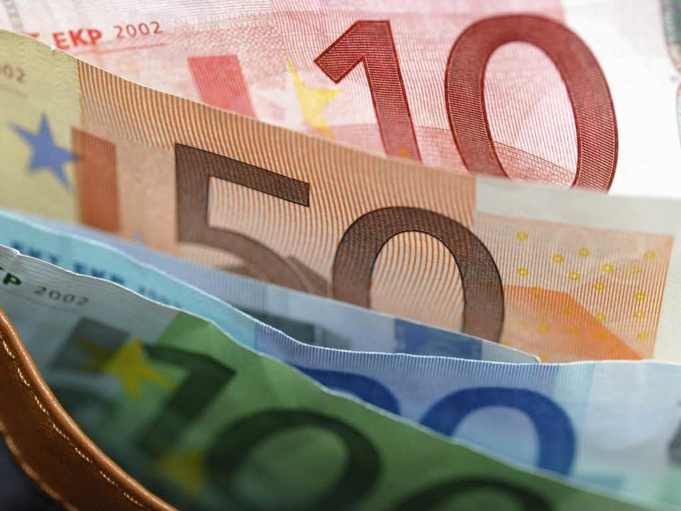 Geld für den Straßenbau in Baden-Württemberg fließt früher als erwartet.  | Foto: ddp