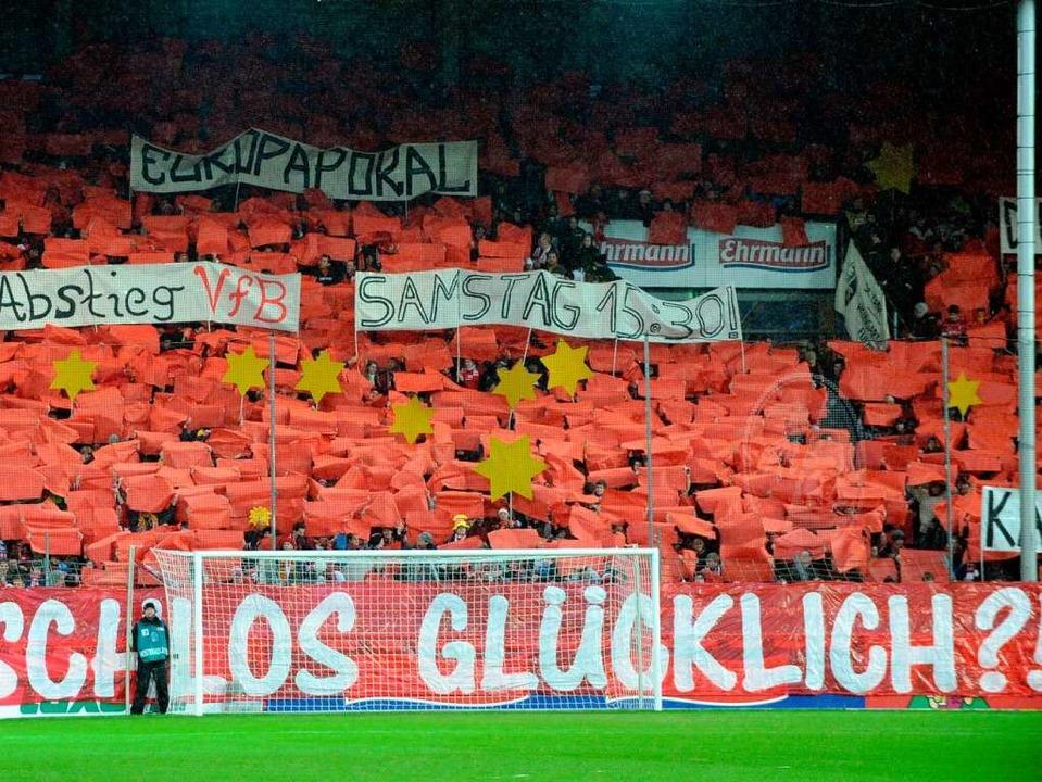 Glücklich? Das sind der SC Freiburg un...e Antwort auf die offene Stadionfrage.    Foto: dpa