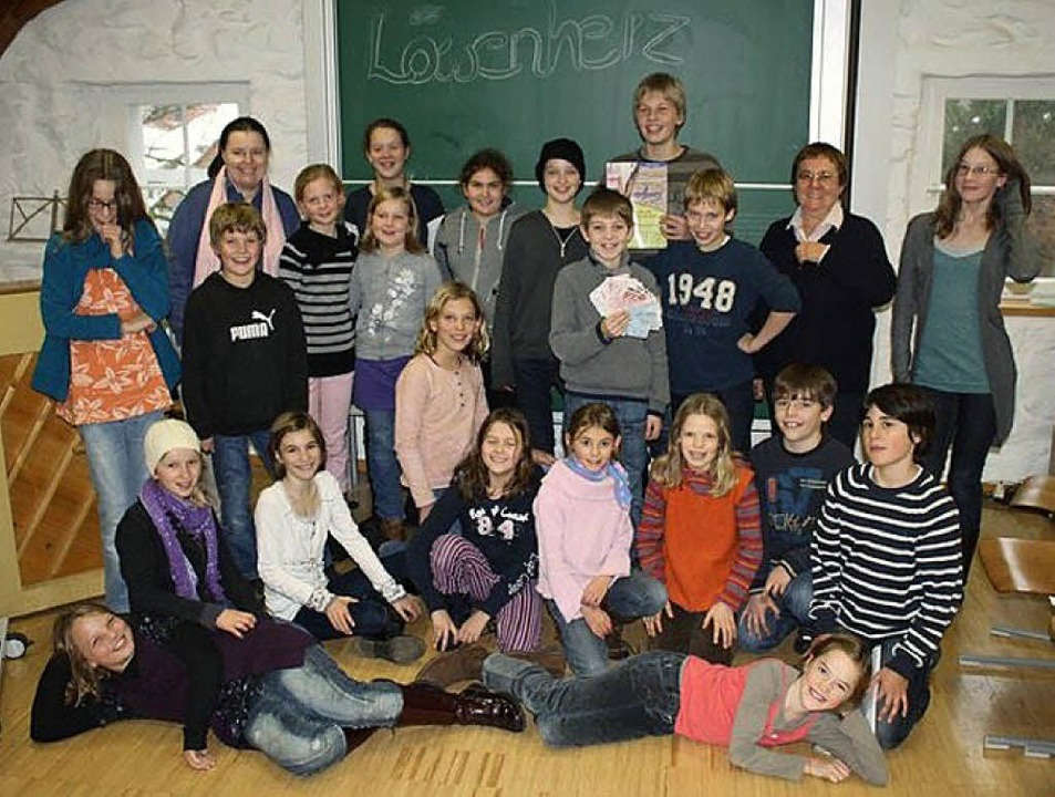 "Schüler der Unterstufee des Kollegs St...erprojekt ""Alines Traum"".   | Foto: Schmidt"