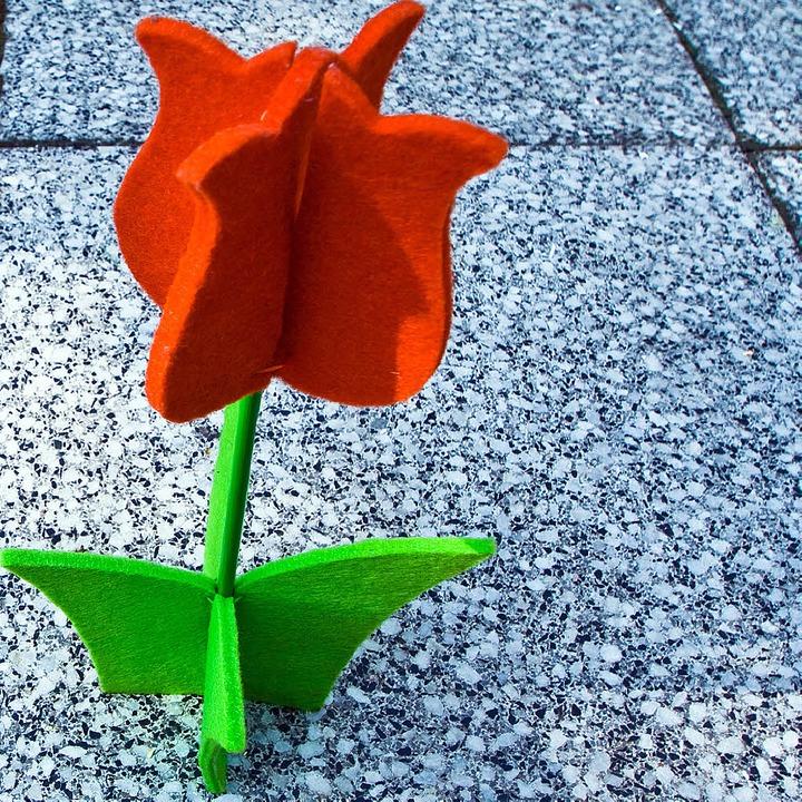 Mit viel Liebe gemacht: Ob Ketten, Ted...gibt's in Freiburg zu entdecken.    Foto: photocase.de/ zettberlin,giammy, fotolia.com