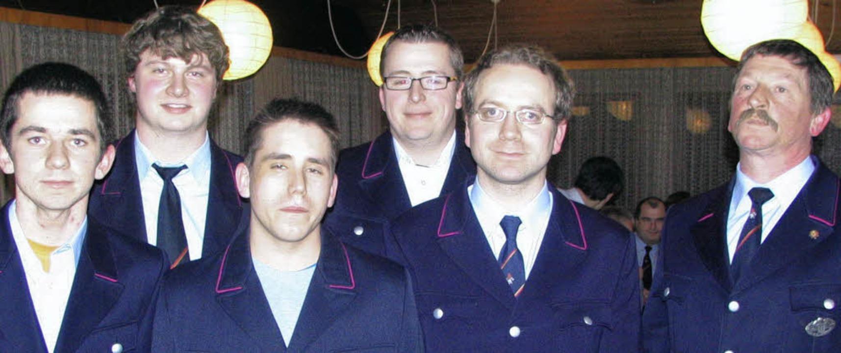 Besonderer Dank des Wollbacher Feuerwe...für ihre Weiterbildungen (von links).     Foto: ines Bode