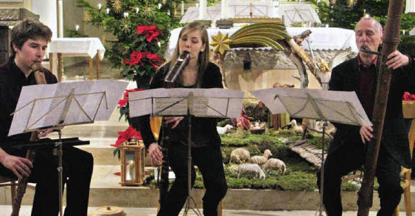 Tobias Sommer, Lisa Rotzinger und Albr...nks) spielten in der Bernauer Kirche.   | Foto: Ulrike Spiegelhalter