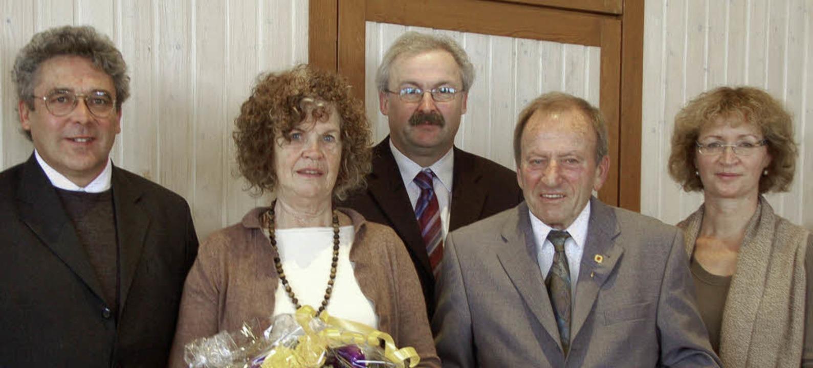 Die beiden Bürgermeisterstellvertreter...hard Moers und seiner Frau Elisabeth.   | Foto: Kathrin Blum