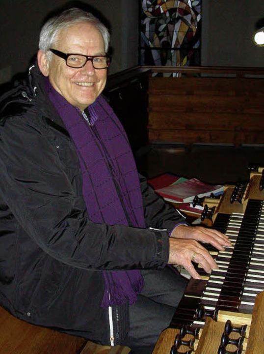Martin Schmeisser, hier  an der Hugste...ts- und Kirchenliedern herausgegeben.     Foto: mario schöneberg