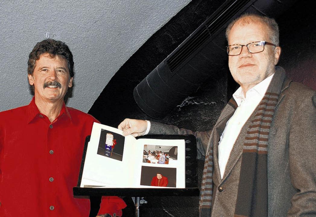 Zwei der fünf Macher im Donaueschinger...st- und Musikschule aufgetreten sind.   | Foto: Schröter