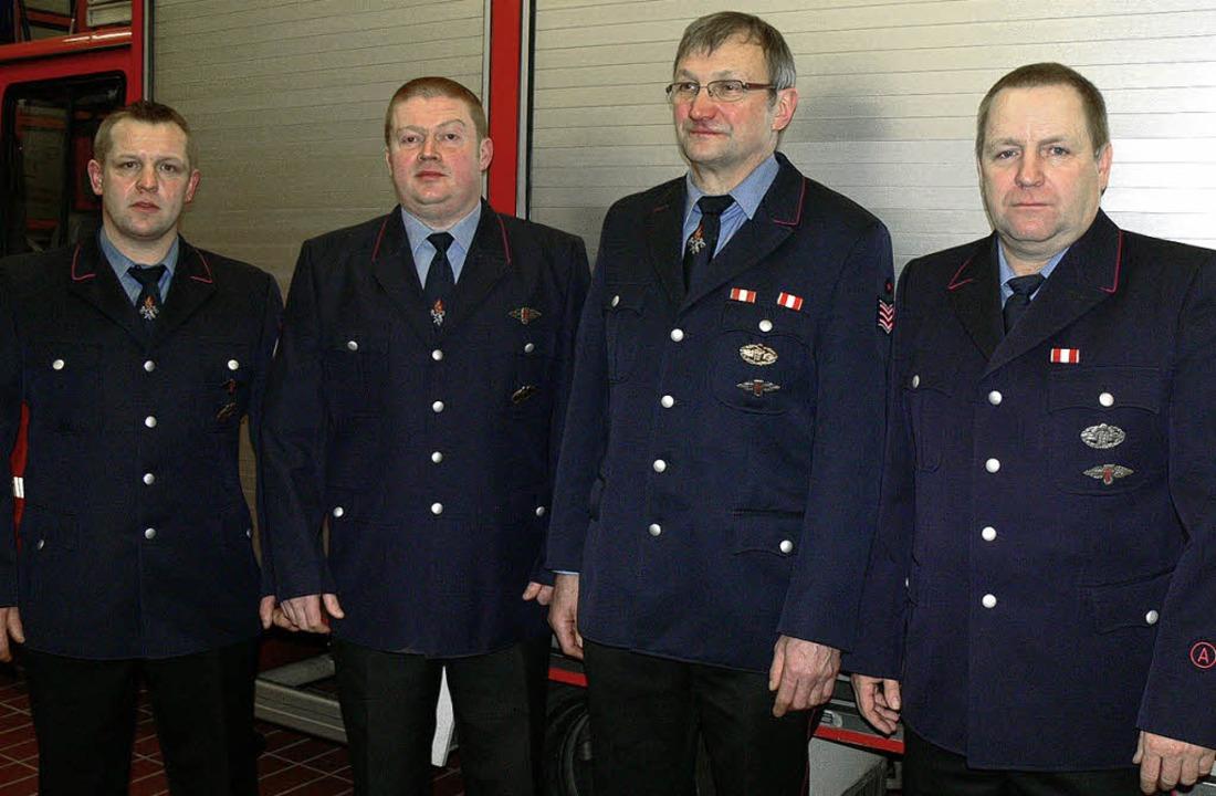 Wechsel an der Spitze der Feuerwehrabt...Hasis, Alois Fischer  und Thomas Eble   | Foto: dieter fink