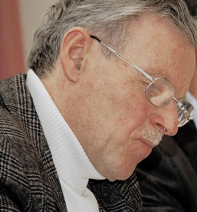 Ortsvorsteher Theo Isele lässt das abg...ei Bürgerversammlung Revue passieren.   | Foto: cs