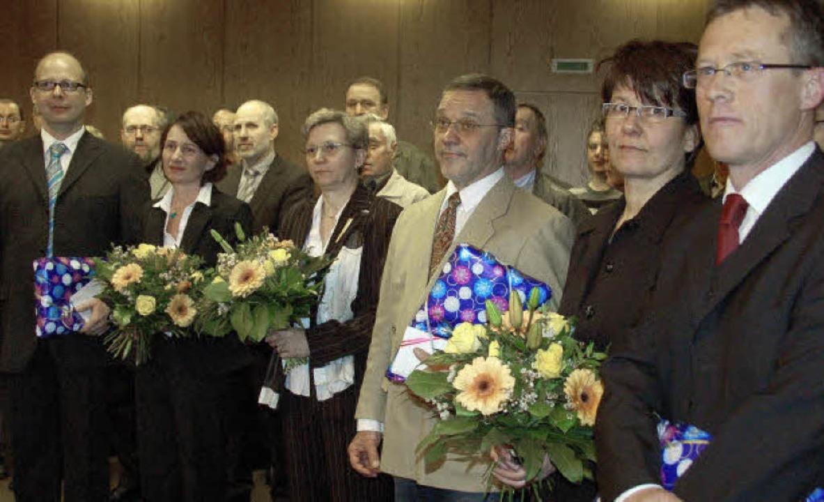 Die Gemeinde dankte (von links): Joach... Hilfsbereitschaft und ihr Engagement.  | Foto: Andrea Gallien