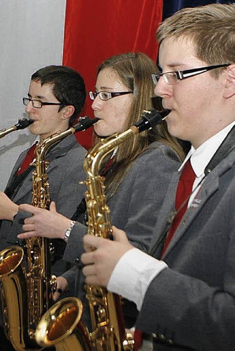 Saxofonisten sorgten für die musikalische Umrahmung.   | Foto: fössel