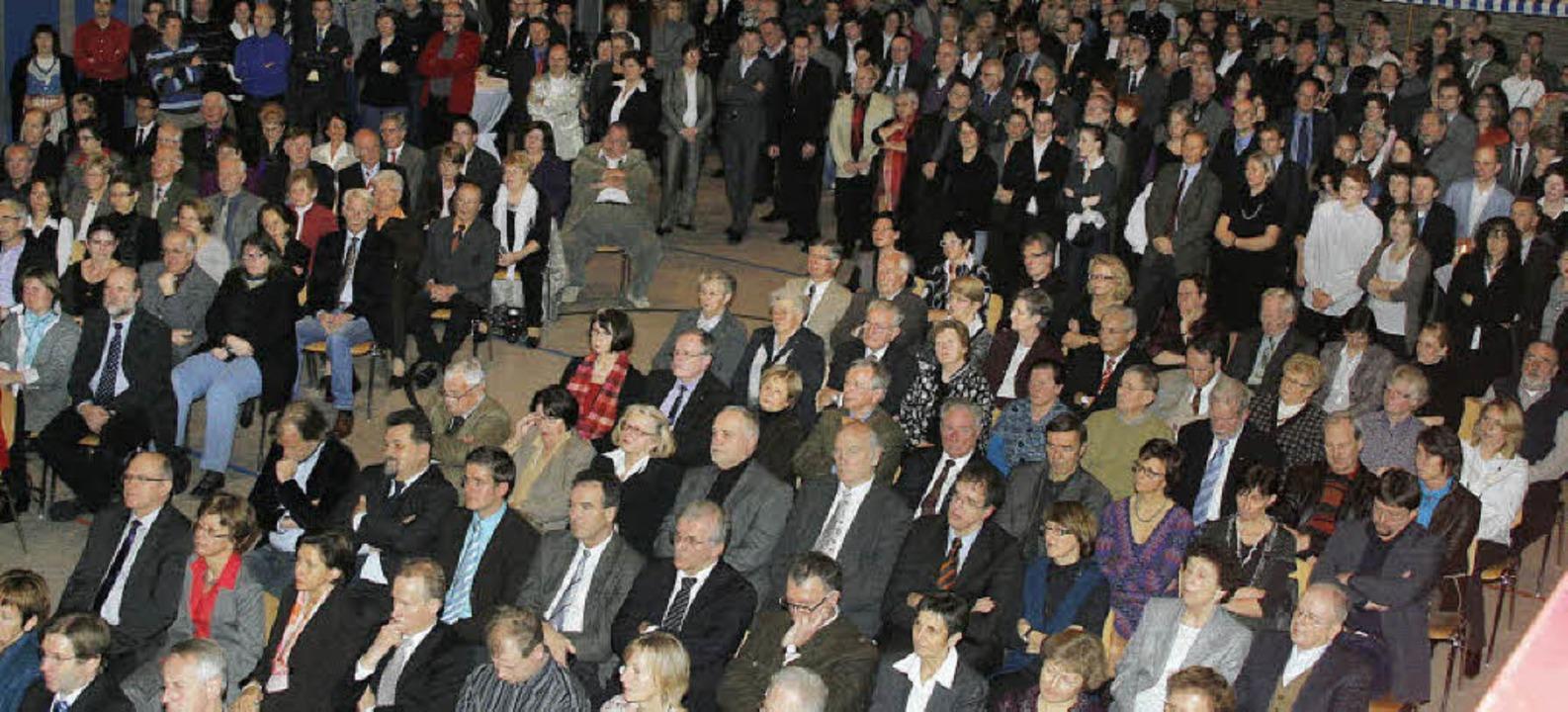 Viele mussten stehen, der Andrang zum ...empfang der Stadt Ettenheim war groß.   | Foto: heidi fössel