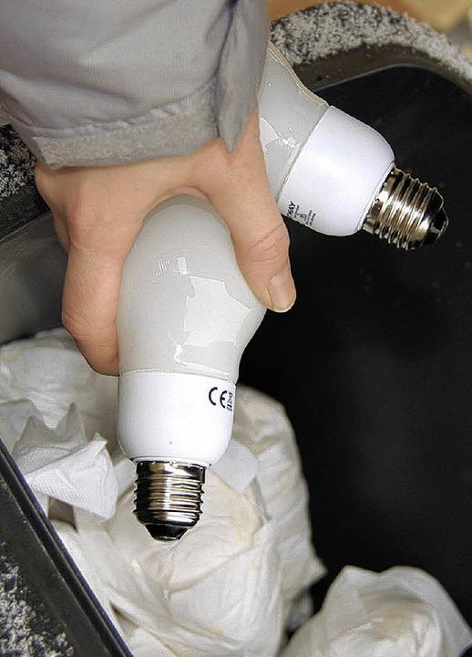 Energiesparlampen gehören keinesfalls ...ch die Recyclinghöfe im Landkreis an.   | Foto: Gramespacher