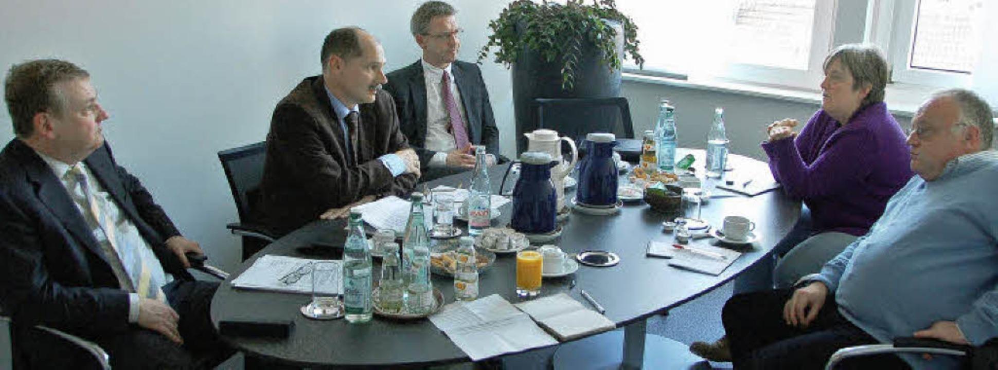 Beim BZ-Gespräch mit der Schluchseewer...inbeck, Katja Mielcarek und Axel Kremp  | Foto: Michael Krug