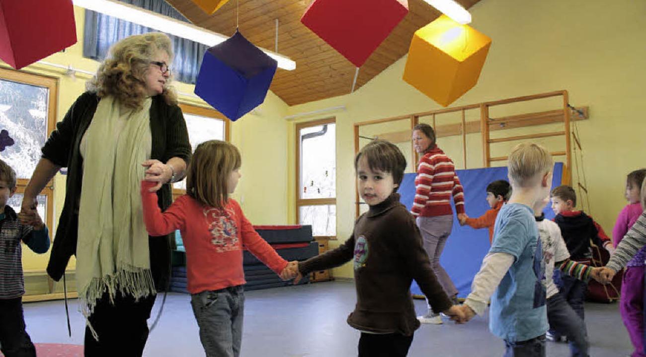 Auch der Tanz fördert das Lernen der Kindergartenkinder.    Foto: Julia Jacob