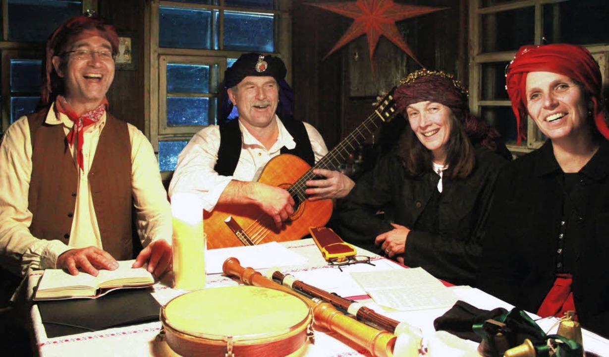 Das Stubenmusik-Quartett unterhielt die Gäste im heimeligen Resenhof.     Foto: privat