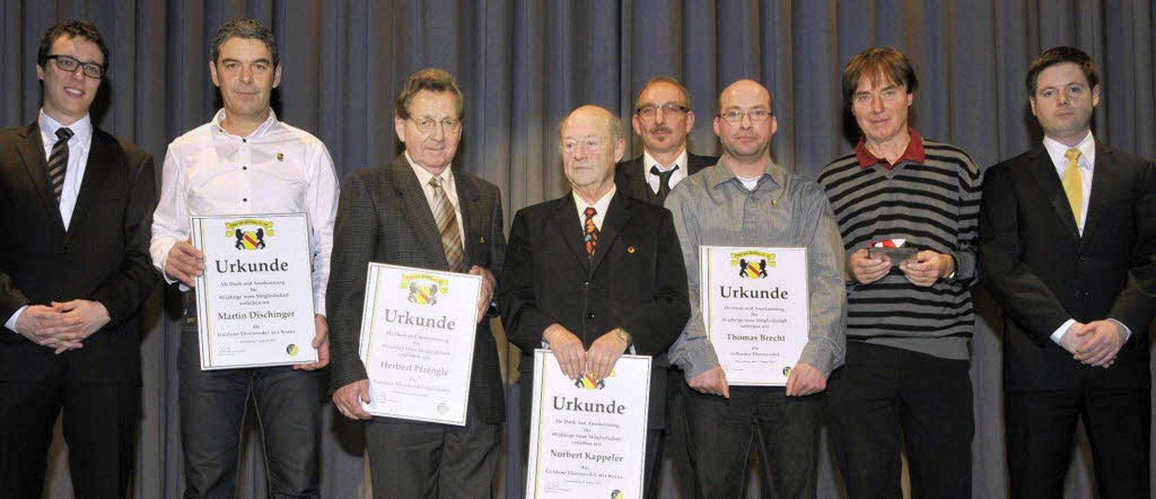 Die Vorstandsmitglieder Sven Lindemer ...einen Film zum 90. Geburtstag des FCN.  | Foto: Alexander Anlicker