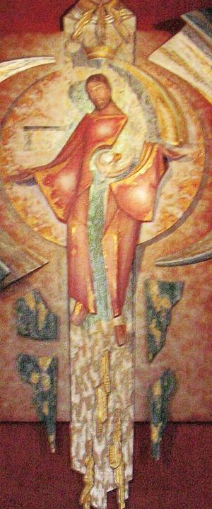 Die neue Christusfigur wurde aus vielen Teilen zusammengesetzt.    Foto: Bartl
