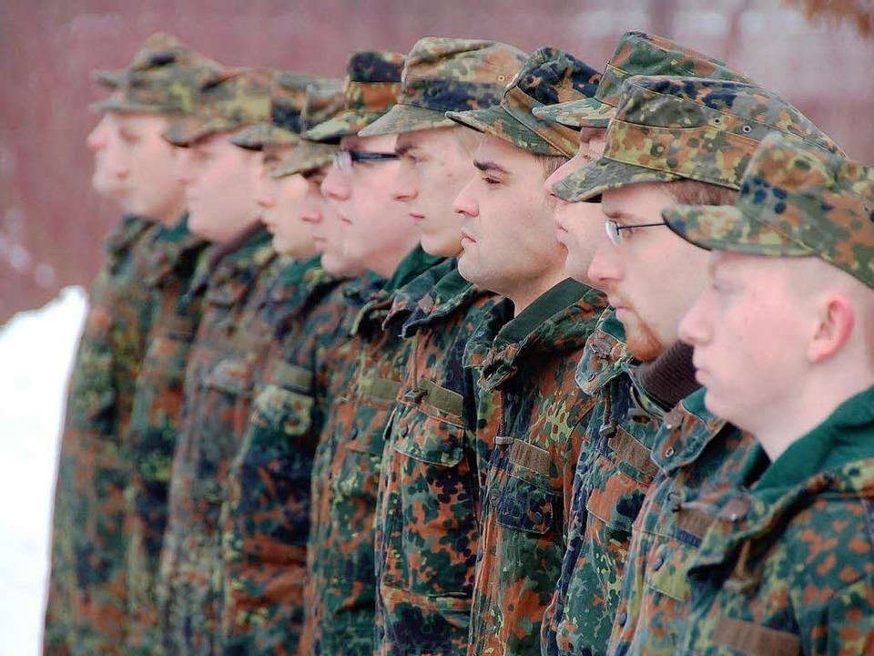 Eine Schule der Nation macht dicht: Di...eginn für die letzten Wehrpflichtigen.    Foto: franz schmider