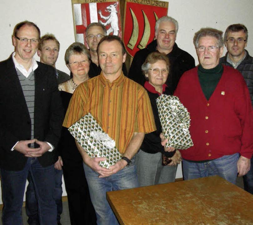 Holzhausens Ortsvorsteher Martin Kopfm... und die Holzhauser Vereinsvorstände.   | Foto: mario schöneberg