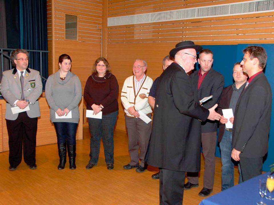 An der Ehrung der 2010 erfolgreichen S...ter Jürgen Winterhalter (rechts) teil.  | Foto: Manfred Frietsch
