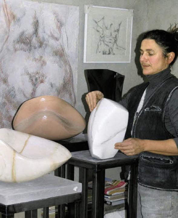 Bildhauerin Mechthild Ehmann aus Dachs...nem Geldpreis und von der Société  des  | Foto: Margrit Matyscak