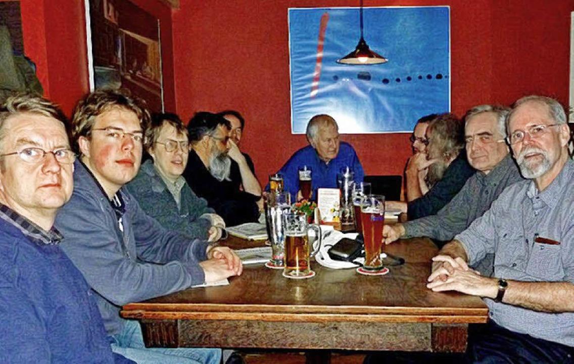 Der Freiburger Wikipedia-Stammtisch bei seinem 49. Treffen im Dezember 2010.  | Foto: privat