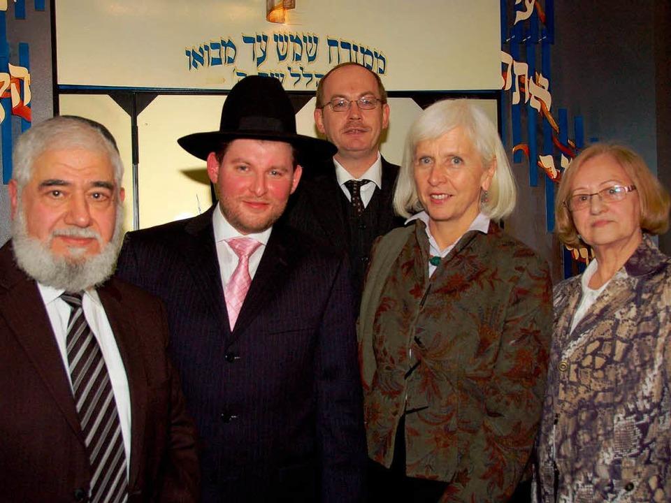 v.l.: Landesrabbiner B. Soussan, Rabbi...luhm, Gemeindevorsitzende H. Scheinker  | Foto: Nikolaus Trenz