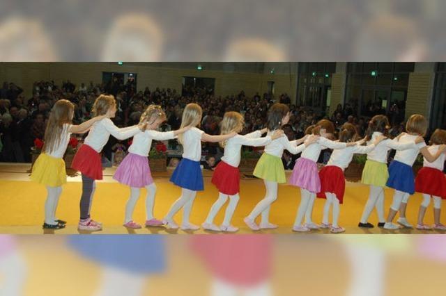 Gemeinde feiert ihre Sonnberghalle