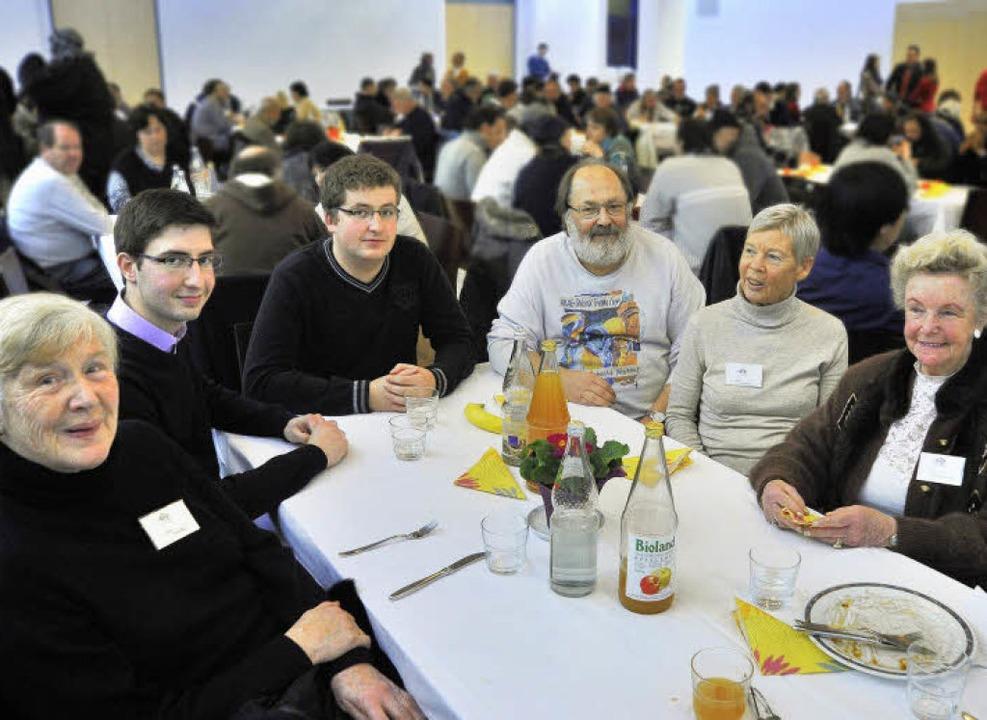 Ins Gespräch gekommen (von links): Han...s Heizmann und Ruth Felder-Barthelmes   | Foto: michael Bamberger