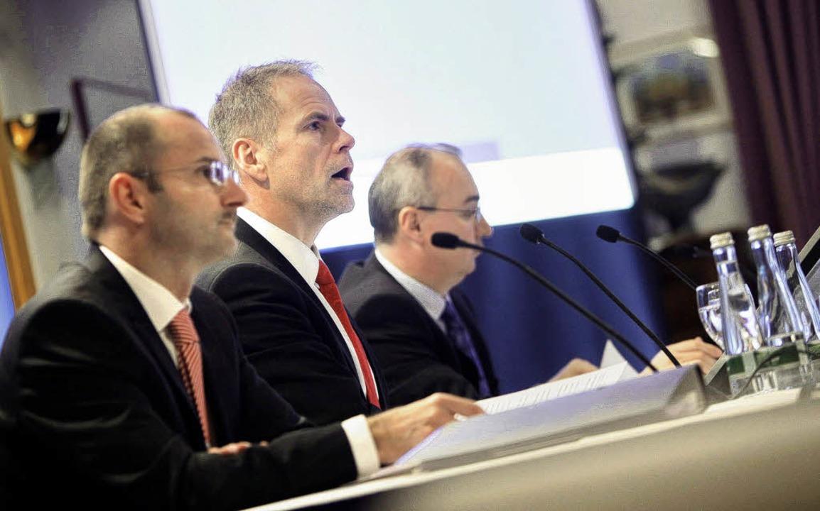 Das neue Triumvirat: Vorstandsvorsitze... Timo Baumer (links) und  Thomas Ruff.    Foto: christoph breithaupt