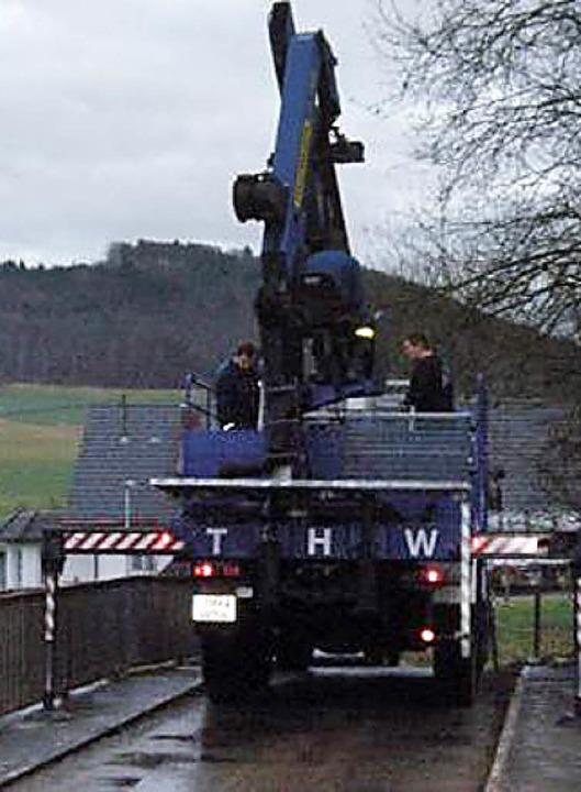Ein erneuter Hangrutsch in Hauenstein ...as Technische Hilfswerk auf den Plan.   | Foto: THW
