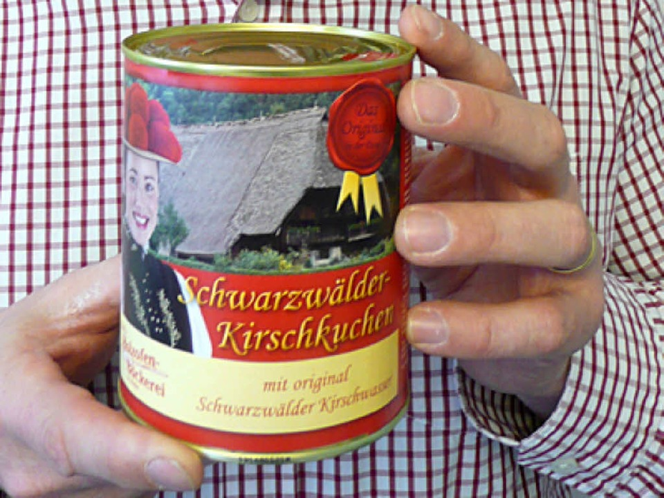 Süßes Souvenir: Der Kuchen in der Dose  | Foto: Peter Stellmach