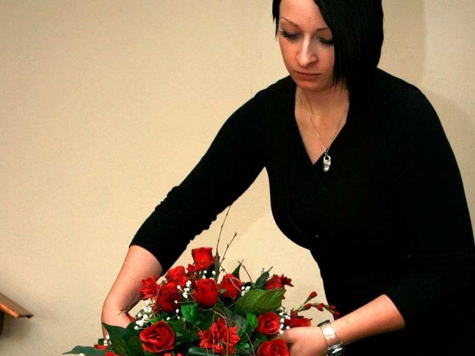 Bestattungsunternehmen sind wichtige A... allen Fragen rund um den Trauerfall.   | Foto: Eva Weise