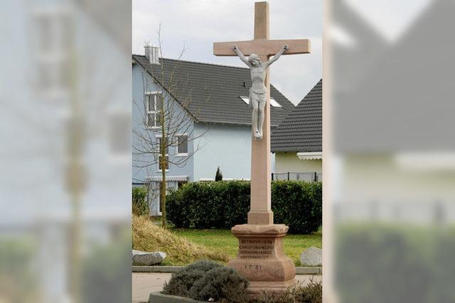 Neuer Glanz für das Kreuz am Endinger Weg