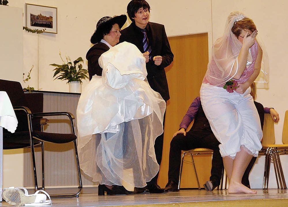 Turbulent ging es beim Theater des Musikvereins Wyhl zu.   | Foto: Schweizer