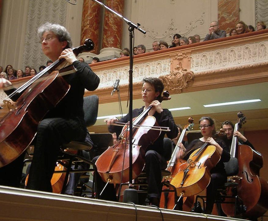 Südamerikanisches spielte die Basel si...ngsten Konzert ihrer Jubiläumssaison.   | Foto: Roswitha Frey