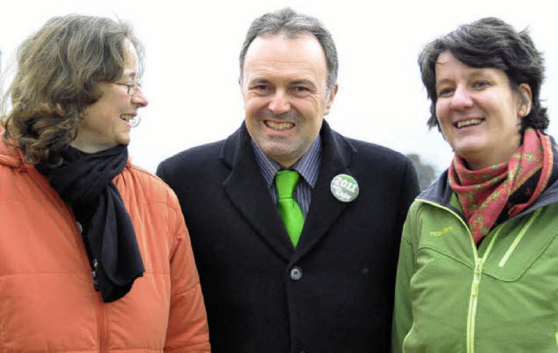 Josha Frey mit Gisela Splett (rechts) und Heike Hauk.   | Foto: Daniel Gramespacher