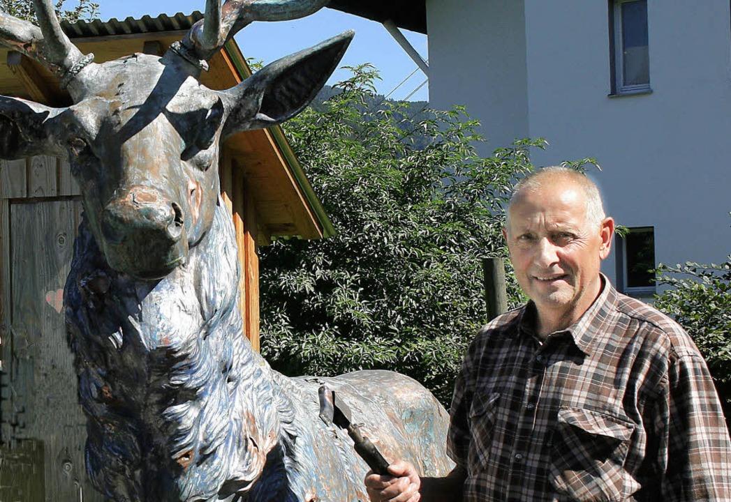 Helmut Schlosser setzte sich mit der R...bst  sozusagen sein eigenes Denkmal .   | Foto: Landratsamt