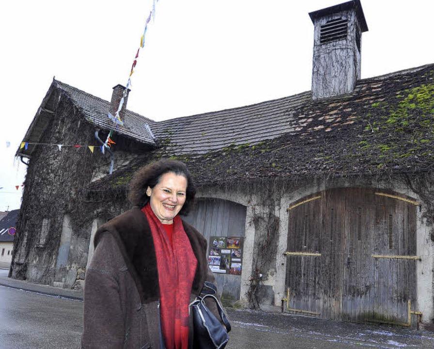 Mitinitiatorin Carola Sonne freut sich...renstall-Umbau nun bald losgehen soll.    Foto: Michael Bamberger