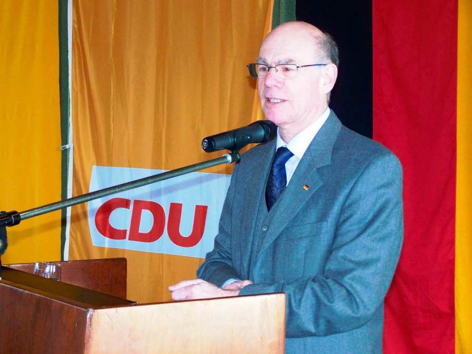 Bundestagspräsident Norbert Lammert am...dnerpult in der Waldkircher Stadthalle  | Foto: Sylvia Timm