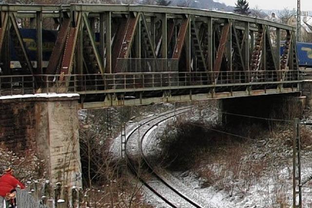 Neuer Durchlass unter der Fachwerkbrücke