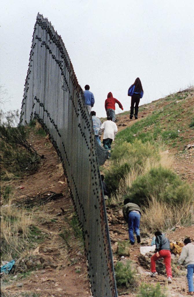 Mauer Zwischen Usa Und Mexiko