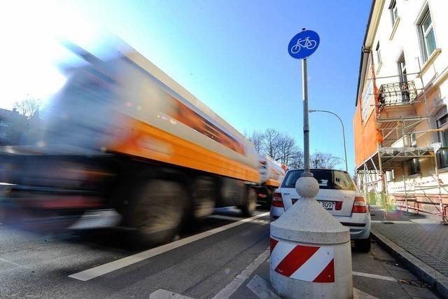 Risse an der Dreisamstraße: Stadt bezahlt Gutachten