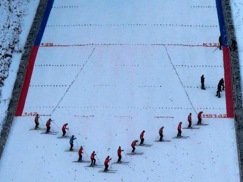 Das Tretkommando bereitet den Boden für weite Sprünge.   | Foto: Johannes Bachmann