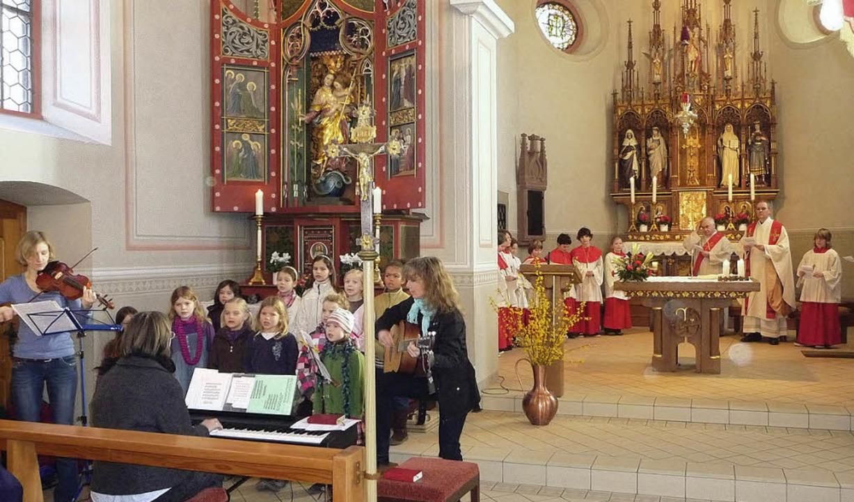 Grunern feierte das Fest der Schutzpat...m Festgottesdienst in der Pfarrkirche.  | Foto: M. Burkert