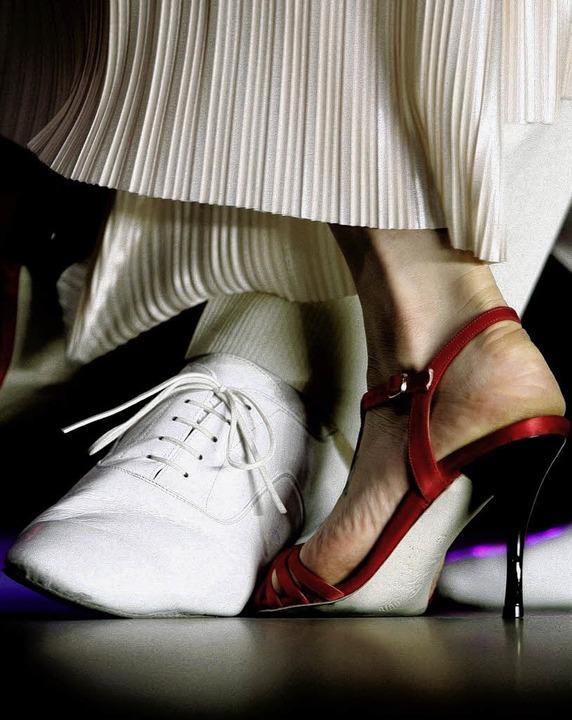 Beim ersten Tanztee des Stadtseniorenr...pricht dafür nämlich jede Menge Platz.  | Foto: dpa