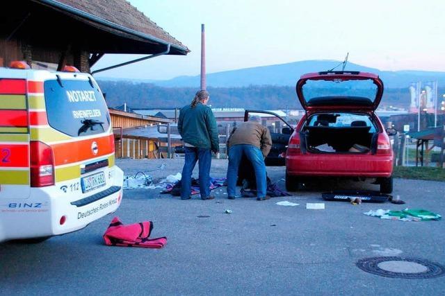 Paketbombe explodiert in Auto – Frau schwer verletzt