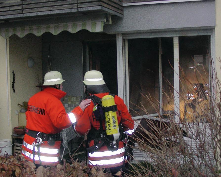 Über die Terrasse verschaffte sich die...e Frau, kam aber jede Hilfe zu spät.    | Foto: mario schöneberg